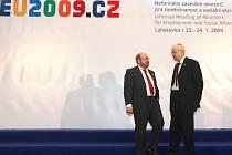 Vladimíre, bylo by na čase z Luhačovic odcestovat...