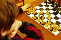 Ačkoli ke konci roku ve většině obcí panuje pomyslný klid před bouří, v Sazovicích 29. prosince se konal již třetí ročník turnaje ve stolním tenisu a šachu