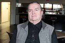 Michal Mynář šéfuje Otrokovické Besedě, je také sbormistr Hlaholu Mysločovice a člen kapely Hostband z Hostišové.