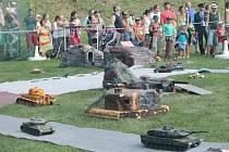 Den poděkování – Loučka 2012. Při ní byl slavnostně otevřené i muzeum zasvěcené bitvě u Pearl Harbor. Součástí akce byl i bohatý program. Nechyběla výstava bitevních lodí a letadel z druhé světové války. A velkým lákadlem byla i bitva, kterou mezi sebou s