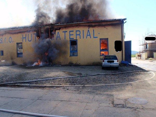 Požár výrobního objektu vKroměříži.