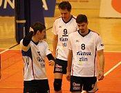 Volejbalisté Zlína v úvodním čtvrtfinále Českého poháru mužů prohráli na domácí palubovce s favorizovaným Karlovarskem 0:3 na sety
