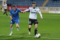 Krajní obránce či záložník Fastavu Zlín Lukáš Bartošák v podzimním zápase proti Slovanu Liberec.