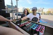 Graffiti City Zlín 2018 na náměstí Míru ve Zlíně. Novinkou druhého ročníku je graffiti na vozidlech DJ BOSTON