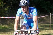 Orientační závodník na horském kole Jiří Hradil.