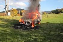 Požár auta ve Vizovicích.