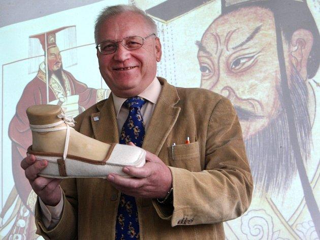 Petr Hlaváček - vědec, který zkoumal obuv terakotové armády v Číně či pravěkého člověka Ötziho, zemřel letos v lednu.
