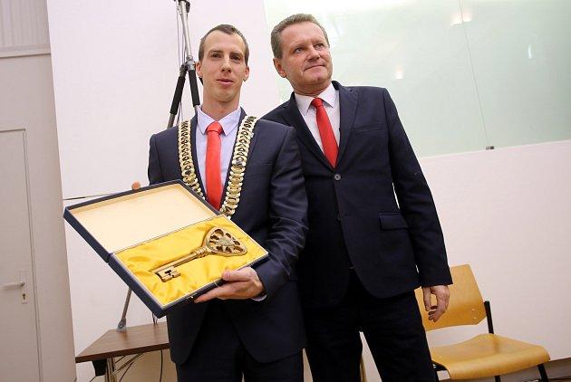 Ustavující zastupitelstvo města Zlína.Jiří Korec a Miroslav Adámek
