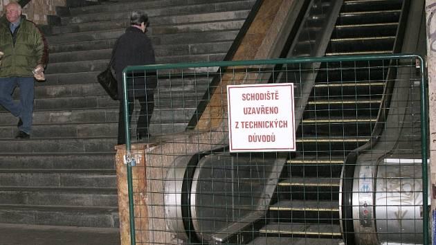 Nefunkční eskalátor