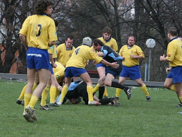 POSTUP. Ze třetího místa se prokousali do semifinále play off I. ligy ragbisté Zlína.