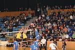 Volejbal Zlín - Staré Město (ve žlutém).