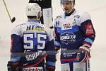 Extraligoví hokejisté Zlína (vš žlutém) v nedělním 26. kole doma hostili mistrovskou Kometu Brno. Na snímku Plekanec