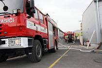 Požár průmyslového objektu v Ludkovicích.