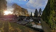 Na hřbitovech se připravují na Dušičky Hřbitov Kvítkovice - Otrokovice.