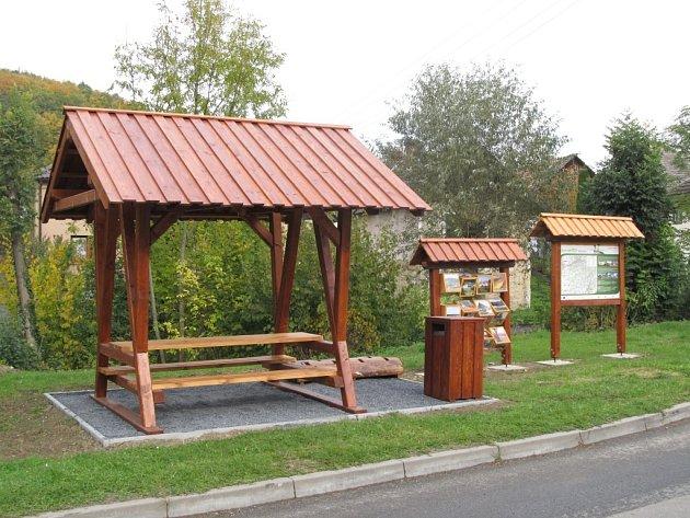 V Březnici vzniklo odpočinkové místo. Slouží pro pěší výlety i výpravy na kolech