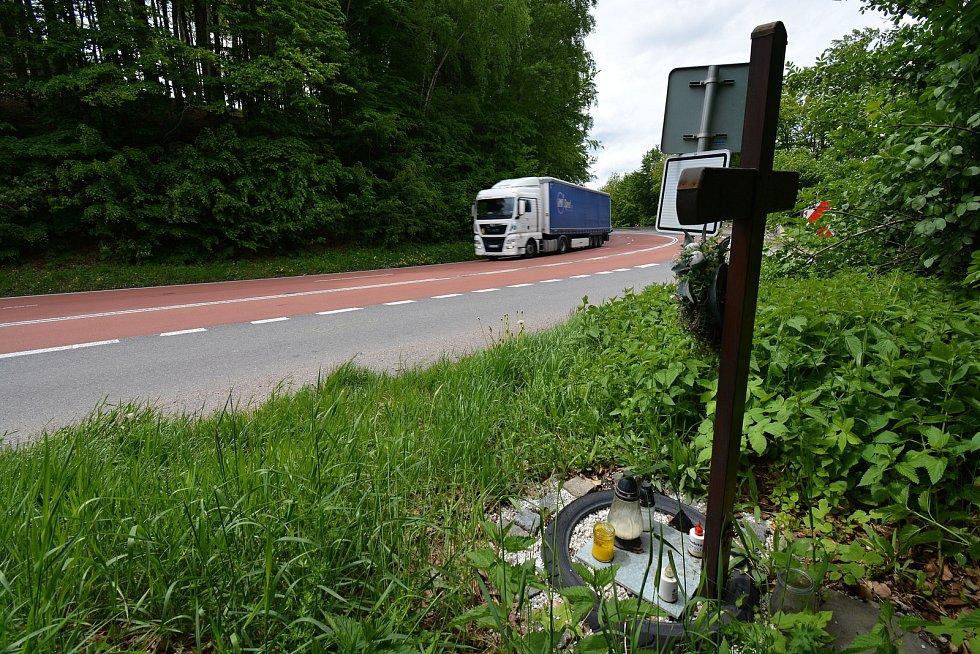 Silnice I. třídy č. 50 v buchlovických horách je nejnebezpečnější v kraji s počtem nejvíce havárií. Za poslední dva roky tu bylo 18 nehod, často končí tragicky. Snímek z 24.5.2021.