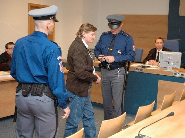 Soud s dvojnásobným vrahem Vlastimilem Novotným - 23. března 2009.