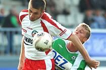 Ivo Zbožínek (v bílém) doháněl celý podzim manko z letní přípravy. Přesto patřil ve zlínském dresu k nejlepším.