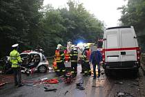 K vážné dopravní nehodě došlo ve středu krátce před devatenáctou hodinou na ulici Březnická ve Zlíně. Srazilo se tam osobní vozidlo značky Citroen a dodávka Iveco. Při čelním střetu zůstalo osobní vozidlo i s řidičkou zaklíněno pod dodávkou.