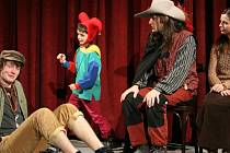 Diváci viděli klasické hry, humorné skeče i břišní tance