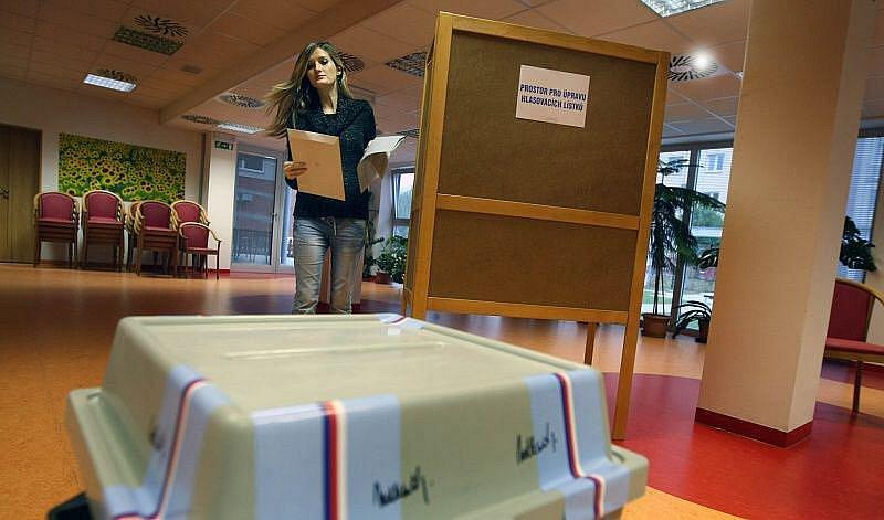 Svých 23 městských zastupitelů si v pátek 15. října odpoledne začali volit obyvatelé Otrokovic.