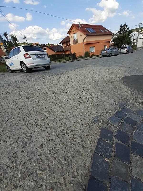 Hrazanskou ulici v Luhačovicích čeká rekonstrukce.