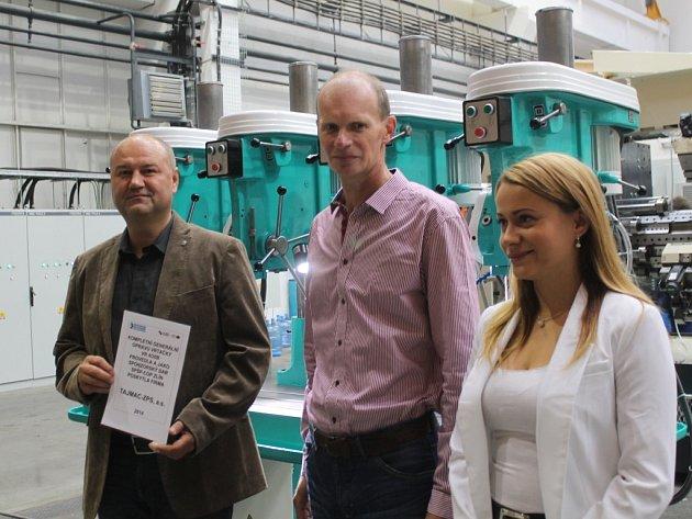 Zlínské firmy se škole složily na opravu strojů