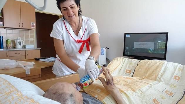 Nové auto pomůže pacientům hospice i jejich blízkým