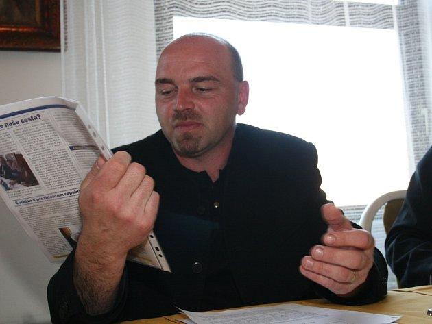 BUDE DEMONSTROVAT. S navrženou daňovou reformou nesouhlasí ani starosta Vysokého Pole Josef Zicha.