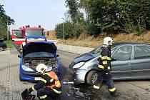 Dvě auta se srazila v Sulimově.