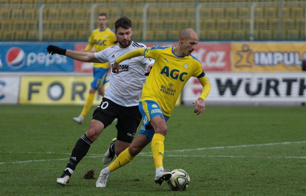 Fotbalisté Zlína (ve žlutých dresech) se v 19. kole FORTUNA:LIGY představili na Stínadlech, kde vyzvali domácí Teplice