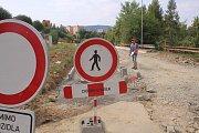 Opravy silnic v ulicích Česká a Pasecká a oprava mostu v ulici Klabalská, působí lidem komplikace.