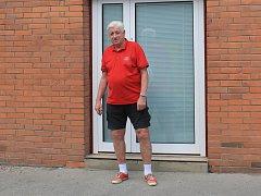 Je to bezmála rok, co sedmdesátiletý Jan Březík ze Zlína vypil alkohol, který obsahoval jedovatý metanol. I když se dnes cítí dobře, přesto mu malá deci nápoje změnila život.