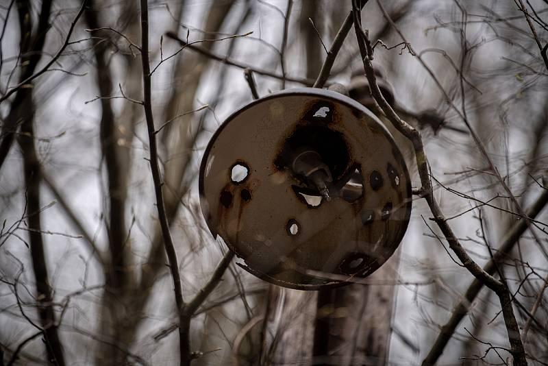 Oplocení areálu muničního skladu ve Vrběticích, 22. dubna 2021. Vrbětický muniční sklad v roce 2014 explodoval. Po sedmi letech vyšlo najevo podezření na zapojení ruské tajné služby do výbuchu.
