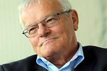 Rektor UTB Petr Sáha