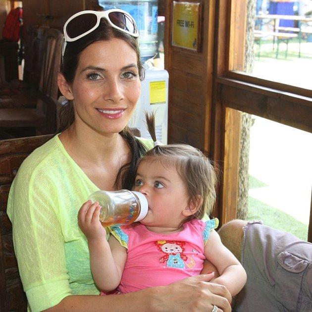 Eva Decastelo Aichmajerová chce další, už třetí dítě.
