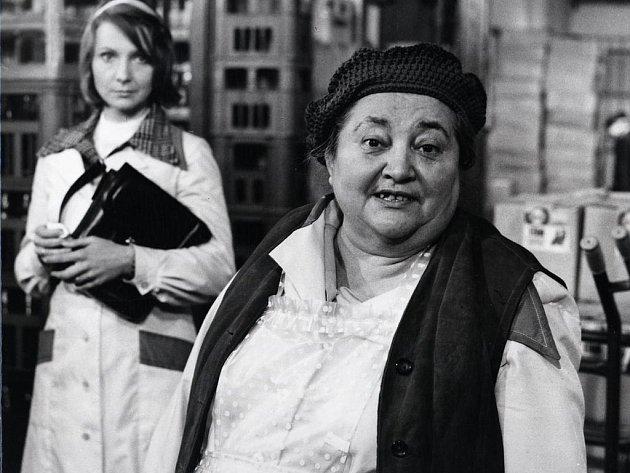 Poměrně velkou roli si zahrála v seriálu Žena za pultem.