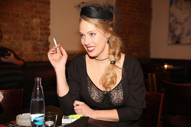 Aneta Krejčíková není žádná plochá dráha.
