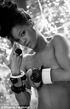 Rihanna má doma celá alba polonahých fotek.