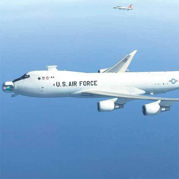 Laserové dělo je v nose vojenského Boeingu 747