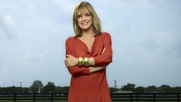 Uvěřili byste, že téhle herečce je už sedmdesát dva let? Linda Gray prostě nestárne...