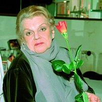Na snímku z roku 1995. Tehdy ještě měla v živé paměti smrt milovaného muže.