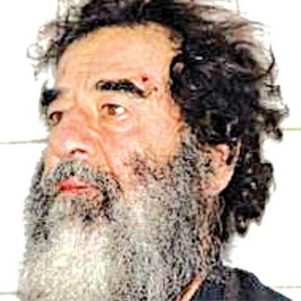 Saddám Husajn krátce po svém zatčení.