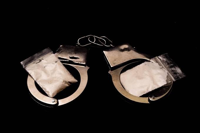 Když se Tereza Hlůšková ocitla v cele předběžného zadržení věřila, že celá záležitost bude na pár dní maximálně týdnů a ona se bude moci vrátit domů. Dostala ale studenou sprchu, když soudce vyřknul verdikt osm let a osm měsíců!