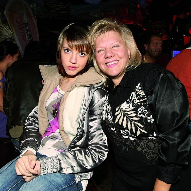 Marie Pojkarová a její dcera, které feťák v metru prokopl plíce.
