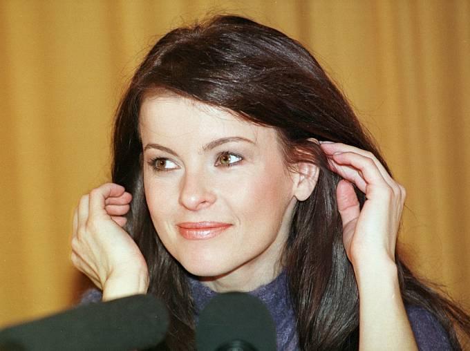 Iveta Bartošová byla chameleon, ráda měnila střihy i barvy.