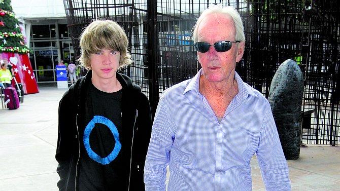 Paul Hogan se synem Chancem, kterého má s Lindou. Jejich manželství už se ale také rozpadlo.