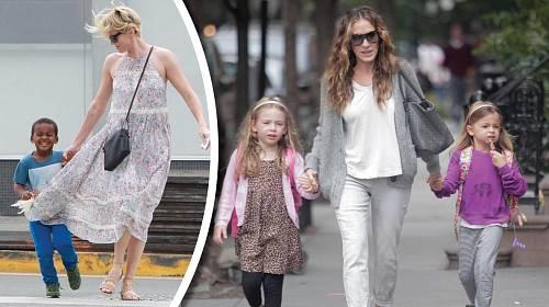 Charlize Theronová a Sarah Jessica Parkerová jako matky.