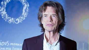 Mick Jagger dostal nůž na krk.