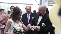 Svatba Bohuše Matuše a jeho Lucie se neobešla bez humbuku.